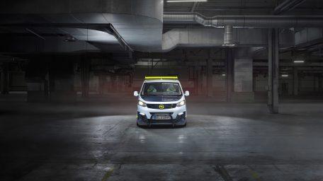 """Η Opel φέρνει μία ακόμα έκδοση στην αγωνιστική πίστα: το πρωτότυπο """"O-Team Zafira Life"""""""