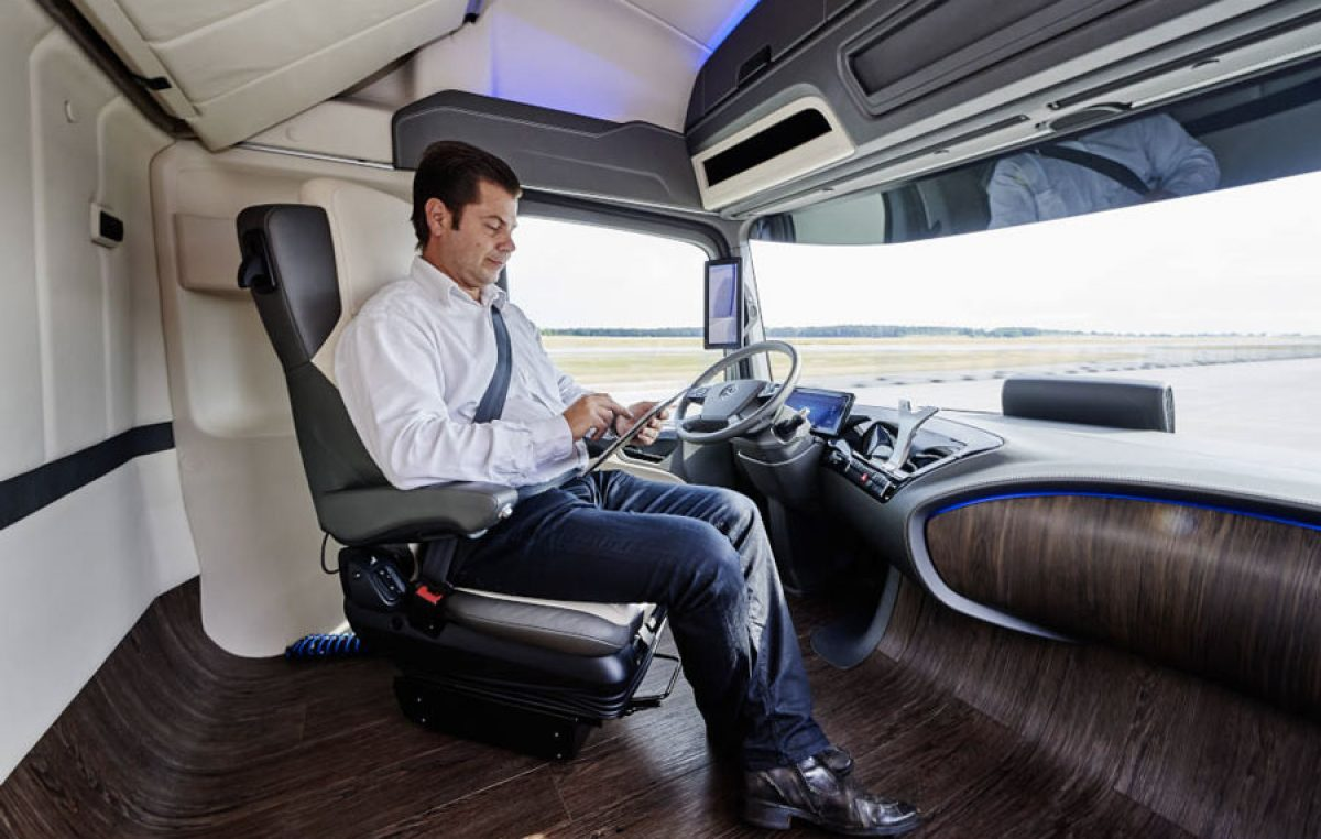 Ίδρυση παγκόσμιου οργανισμού από την Daimler Trucks για υψηλού επιπέδου αυτόνομη οδήγηση