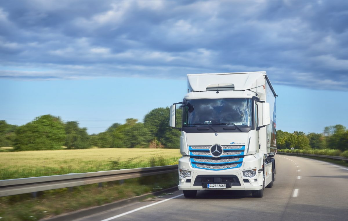 Πτώση στις πωλήσεις μεγάλων φορτηγών