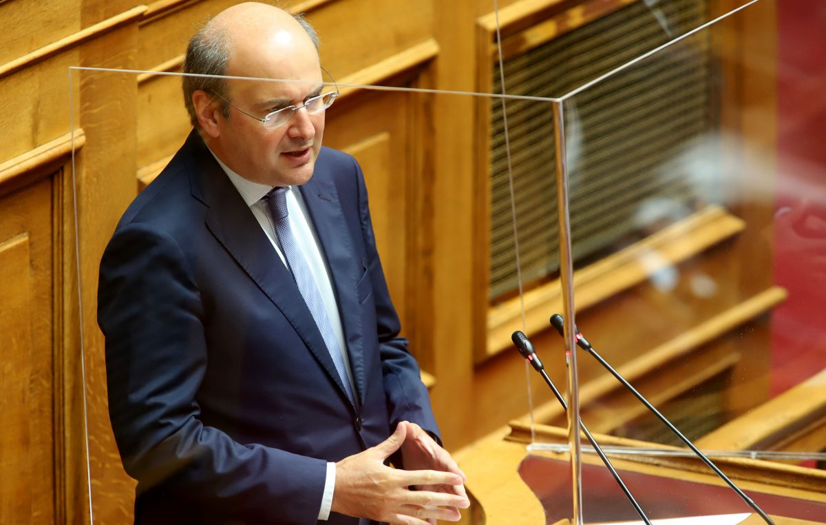Αύξηση στις επιδοτήσεις για τα ηλεκτρικά ανακοίνωσε ο κ. Χατζηδάκης